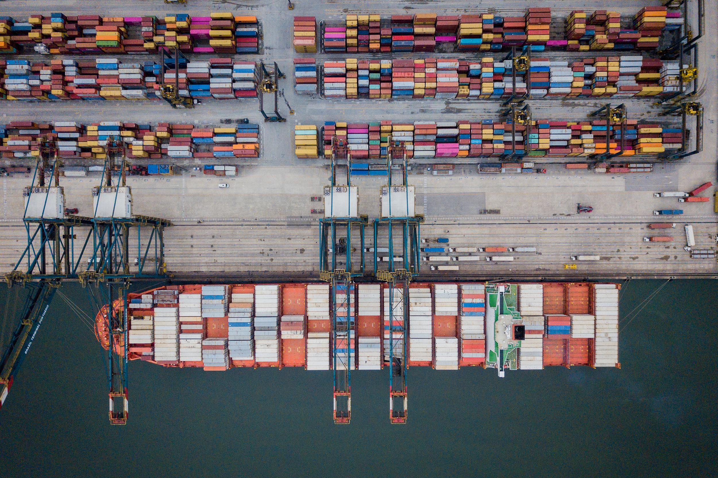 Comércio exterior deve crescer 5% em 2021